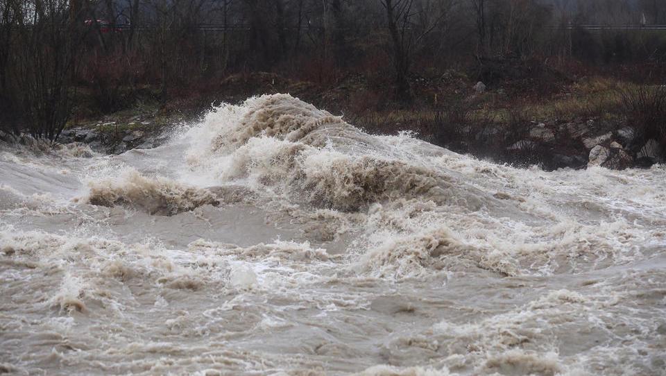 DeSUS vložil predlog zakona o izgradnji hidroelektrarn na srednji Savi
