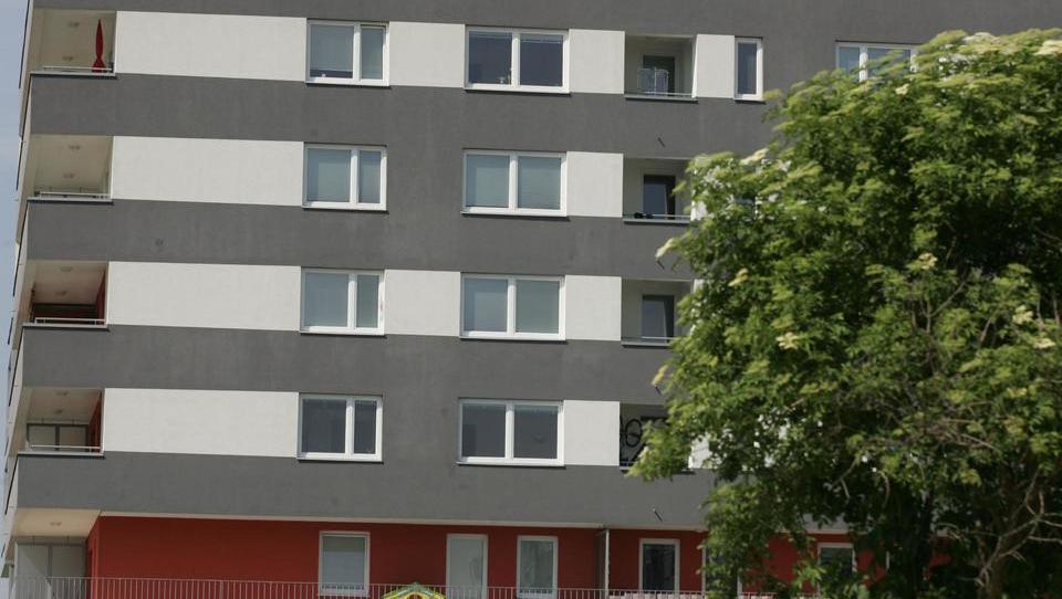 Kako Slovenija izgublja javni stanovanjski fond