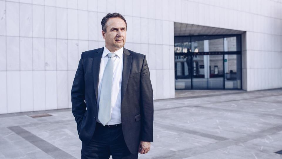 (Intervju) Rajko Novak, Oracle: Zadnje leto prodajamo le aplikacije v oblaku, nobene klasične