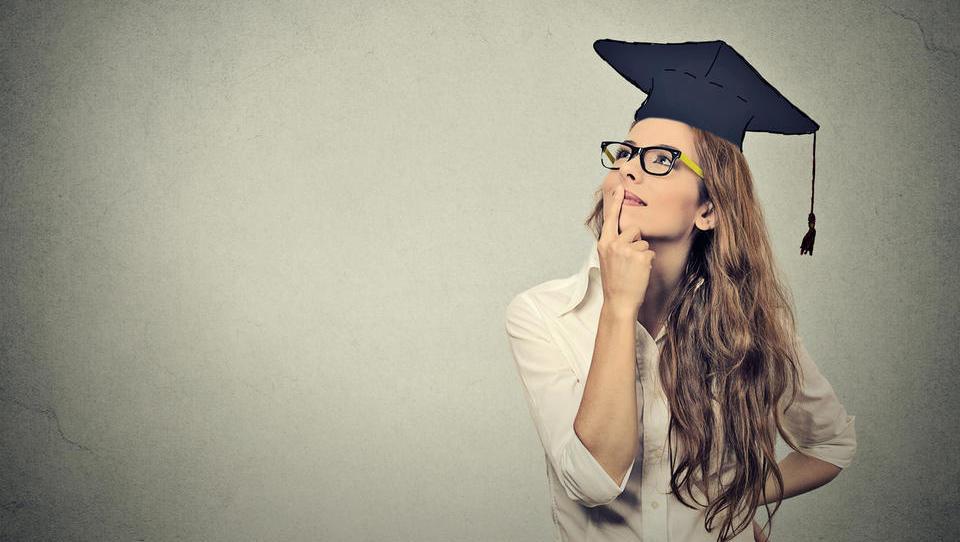 Pred informativnimi dnevi: kako so se v zadnjih 10 letih višale plače izobraženih