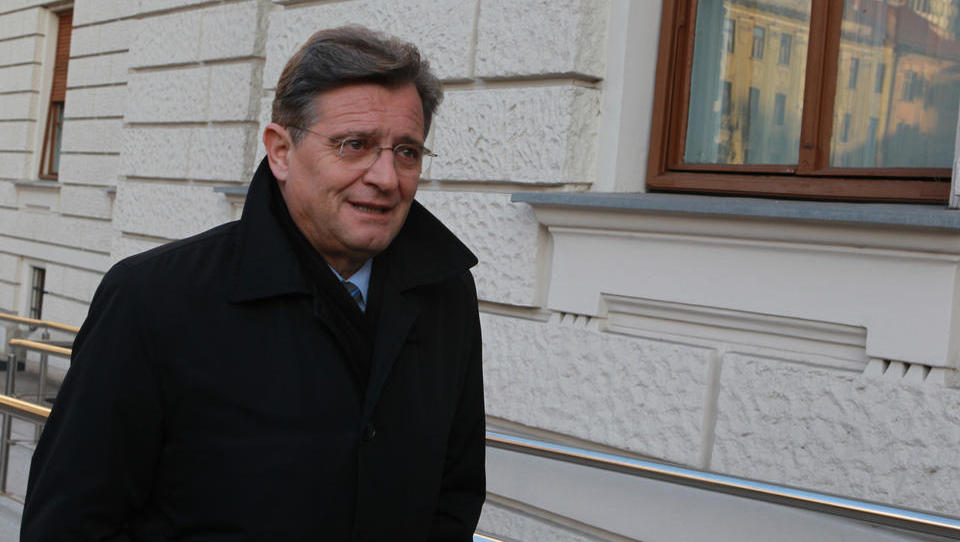 Romunski posli: Pavček in soobtoženi v zadevi Viator&Vektor oproščeni