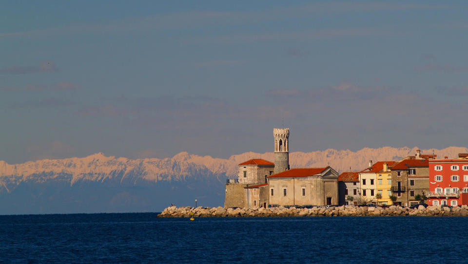 (lestvica) 10 najdražje prodanih hiš na slovenski Obali letos