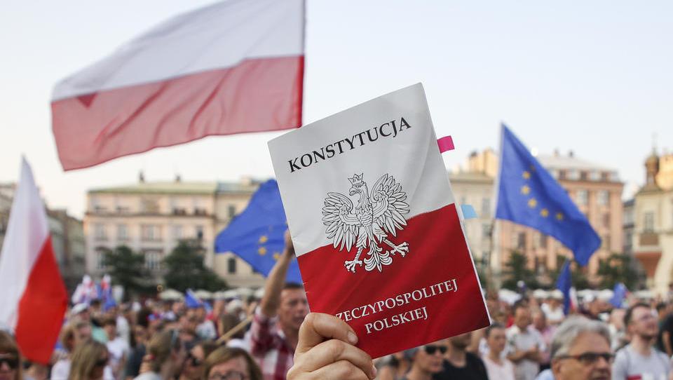 Poljski paradoks: razmah jeze in nativizma v gospodarskem razcvetu