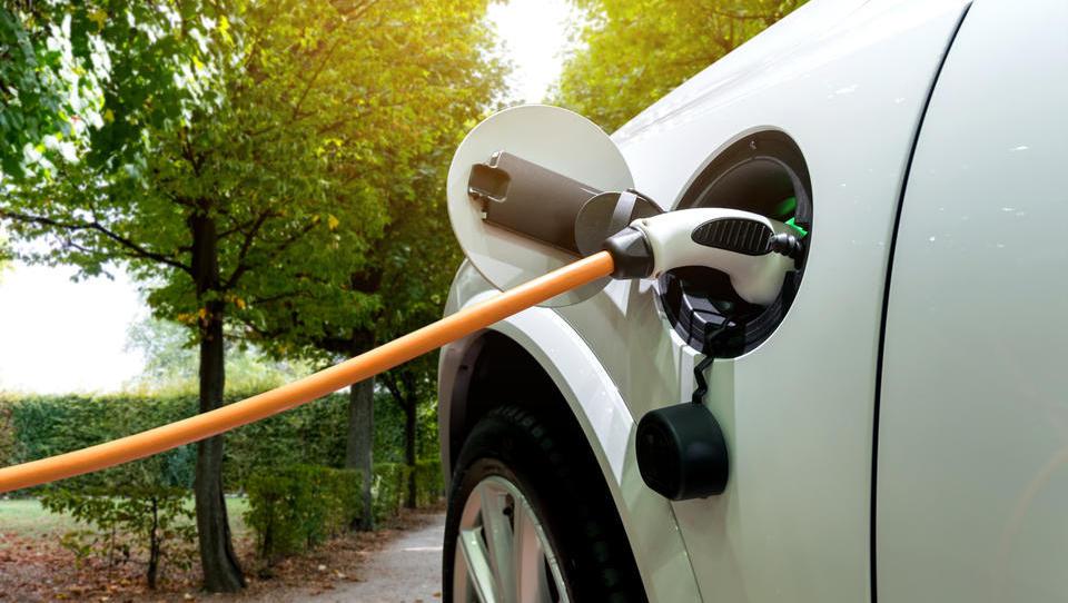 Kupujete električno vozilo? Na voljo so sveže subvencije Eko sklada