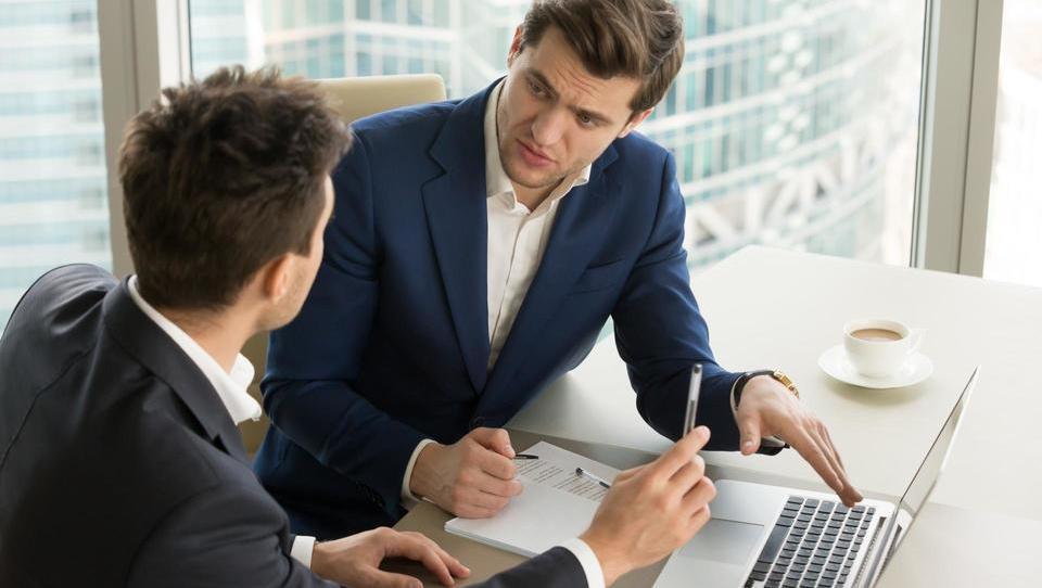 Top službe - dve ponudbi za direktorje; zaposlujejo tudi Siemens, SiDG, BSH, Coca-Cola, Triglav in še 14 podjetij