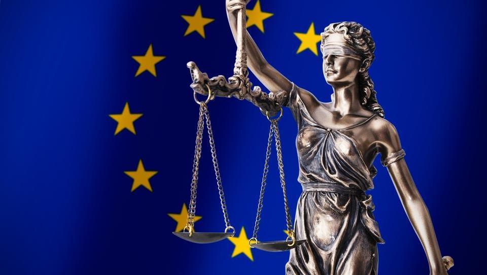 ESČP uvedel postopek proti Sloveniji v povezavi z bančno sanacijo