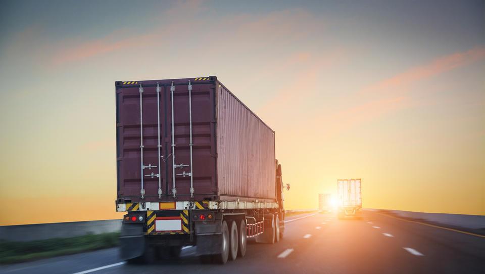 Z združevanjem prevozov bi lahko logisti precej znižali stroške,...
