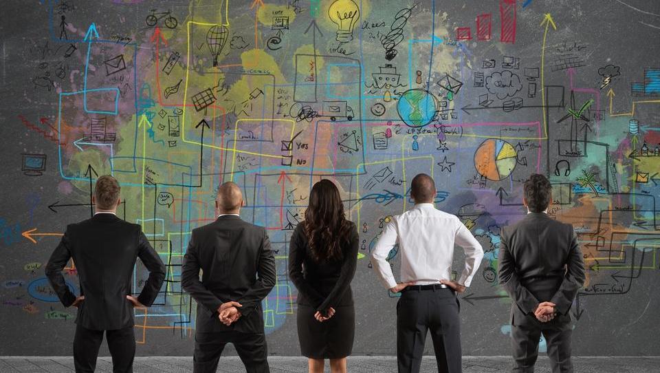 Grozdi SRIP pripravljajo karierno platformo