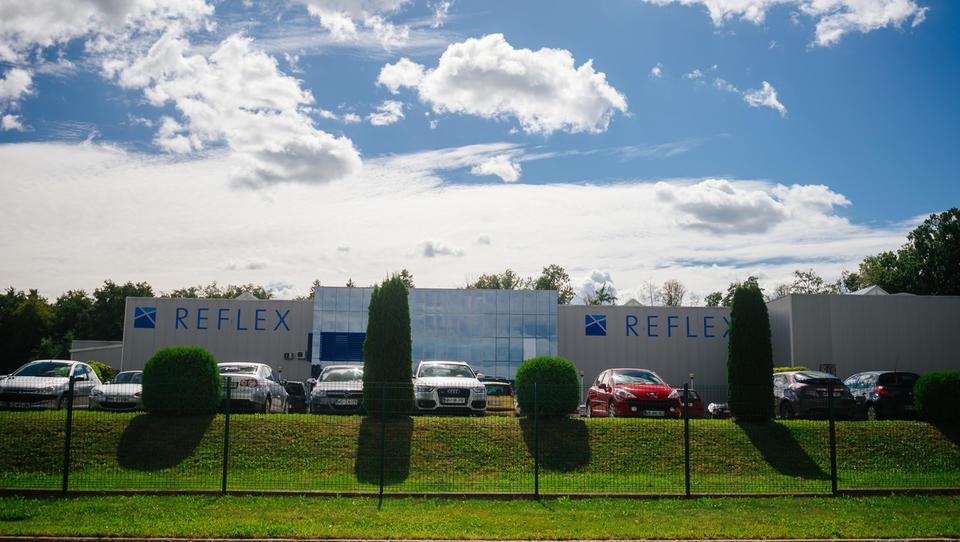 Sodišče potrdilo prisilno poravnavo za Reflex