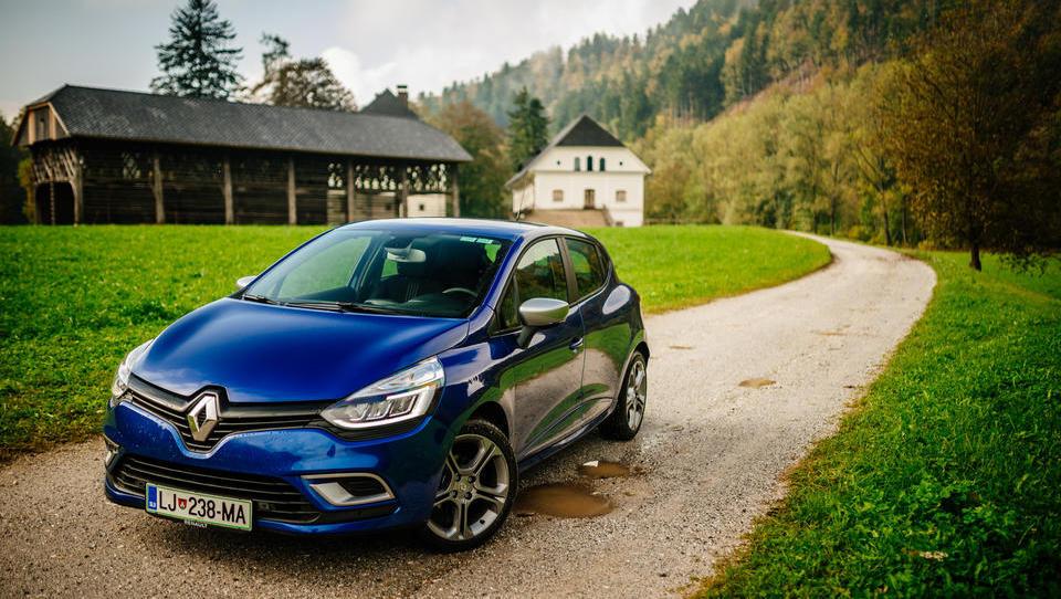 Junijska prodaja novih vozil nižja
