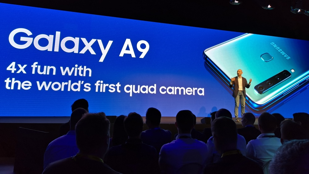 Novi Samsungov Galaxy A9 ima na hrbtu štiri kamere
