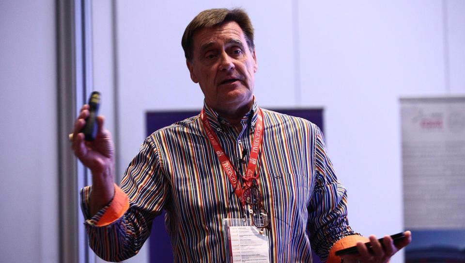 (podkast) Kaj se lahko o vodenju in razvoju podjetja naučite od Nokie?