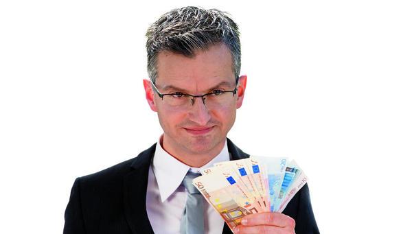 Poslanci potrdili zvišanje minimalne plače