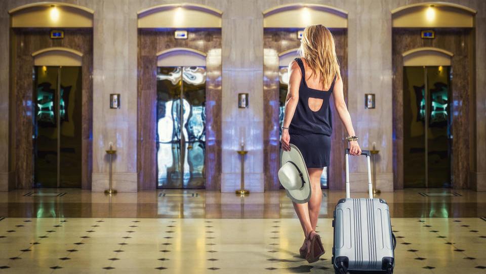 Poročanje v turizmu: za koga velja ločeno poročanje policiji