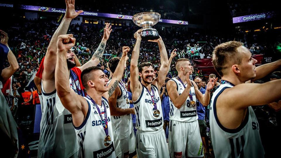 Zakaj naši prvaki v košarki (še) ne cenijo svoje nagrade