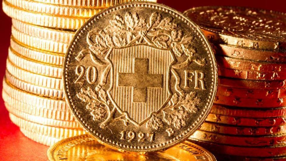 Sodba v zadevi frank: kaj prinaša in ali se vam splača tožiti banko?