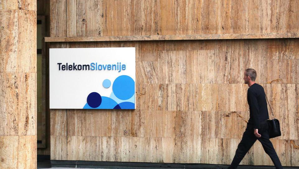 Marža Telekoma peša. Je to znamenje za alarm?