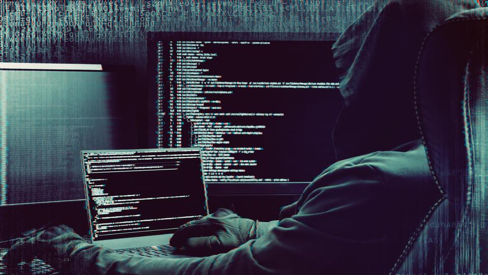 Vse pogostejše spletne prevare krepijo potrebo po kibernetski zaščiti