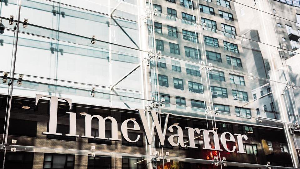Time Warner poslej pod streho AT & T