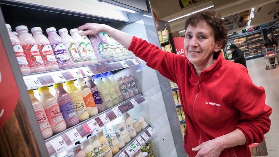 Kupci kupujejo domačo hrano, ker je dobra, pa tudi iz nostalgije