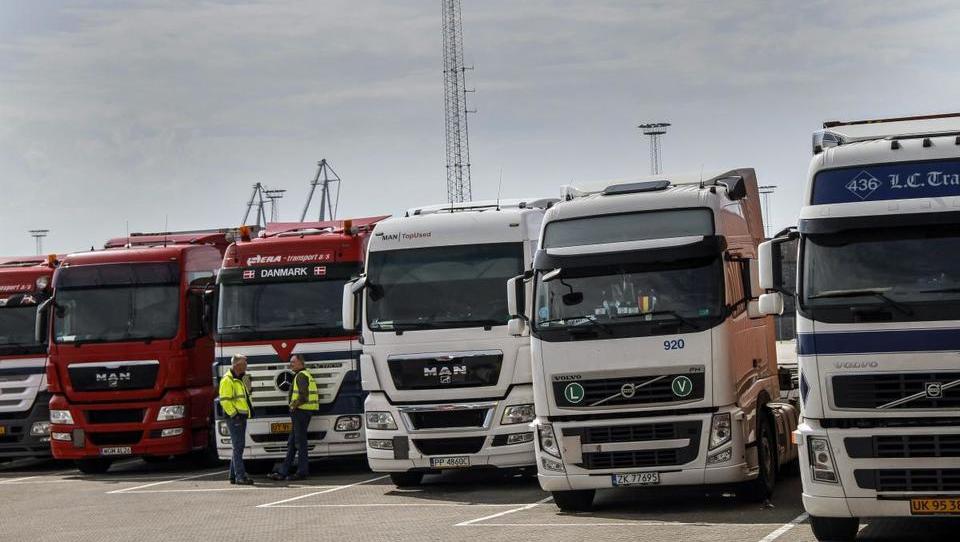 Financiranje ne sledi veliki rasti prodaje dostavnikov in tovornjakov