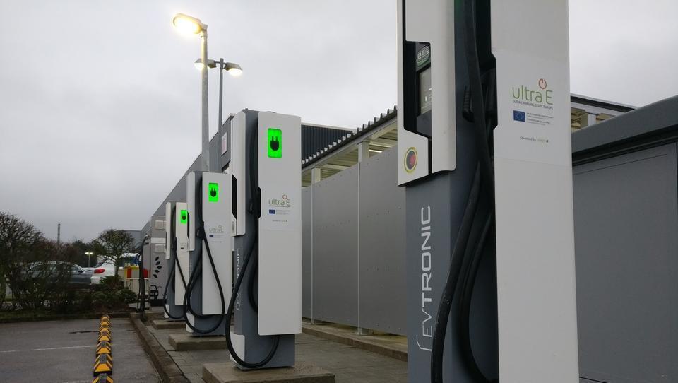 Nemčiji do leta 2020 ne bo uspelo doseči cilja milijon električnih avtomobilov