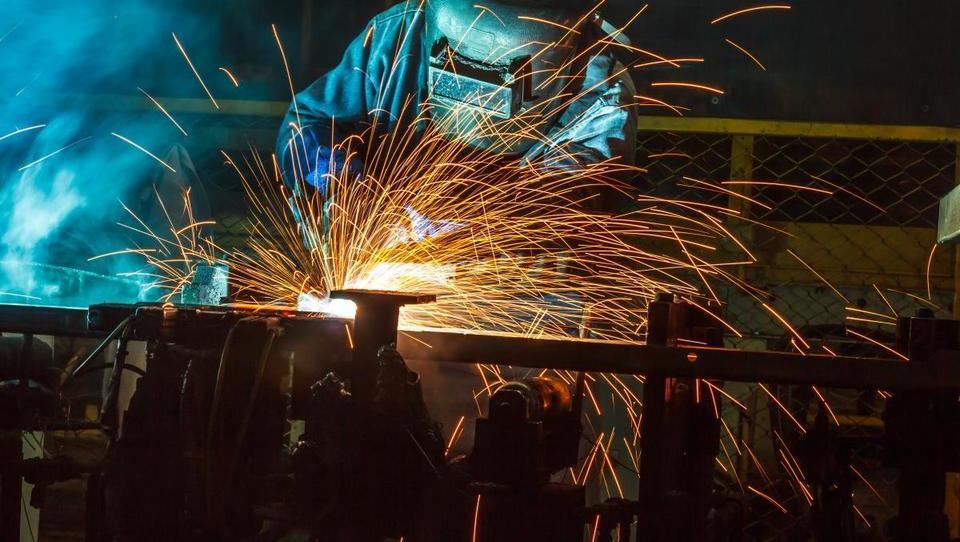 Podjetja z avtobusi po delavce v tujino - 'Danes ni več brezposelnih. So le zaposleni in nezaposljivi.'