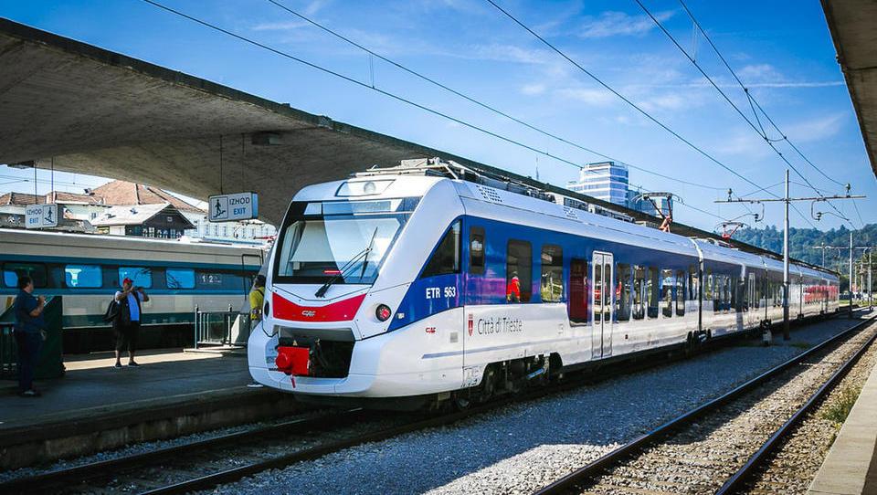 Violeta Bulc napoveduje podaljšanje železniške povezave iz Trsta v Ljubljano naprej do Dunaja