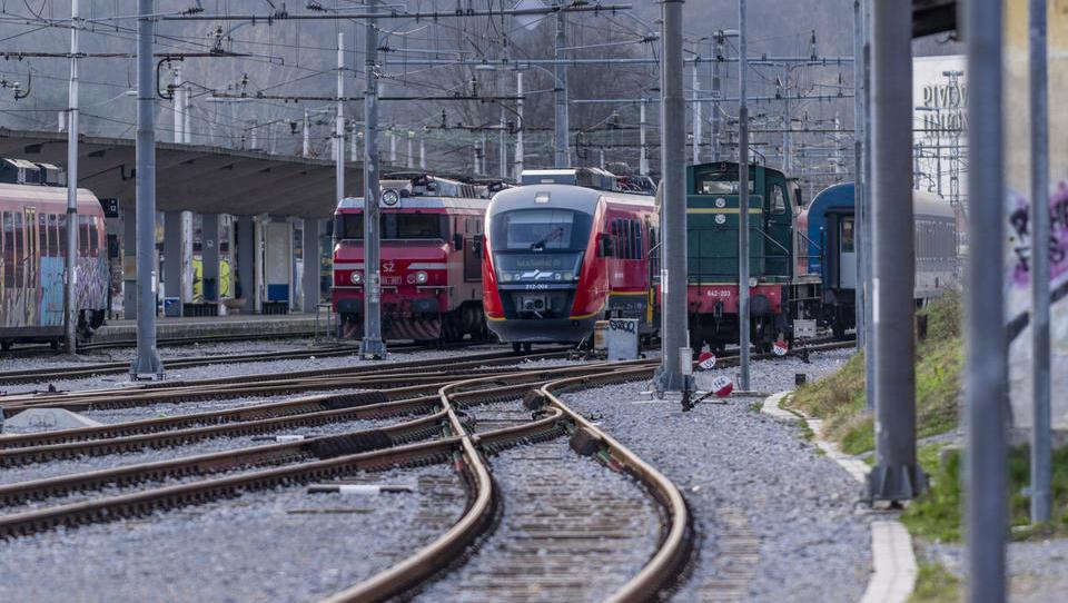 Septembra se odpira strateška železniška turistična povezava do italijanskih mest in letališč