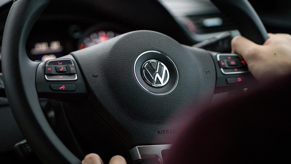 Volkswagen se je ujel v nov poslovni škandal