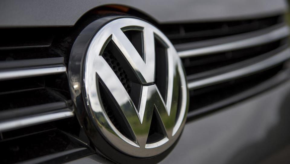 Volkswagen v novem škandalu: posojilo EIB naj bi dobili z goljufijo