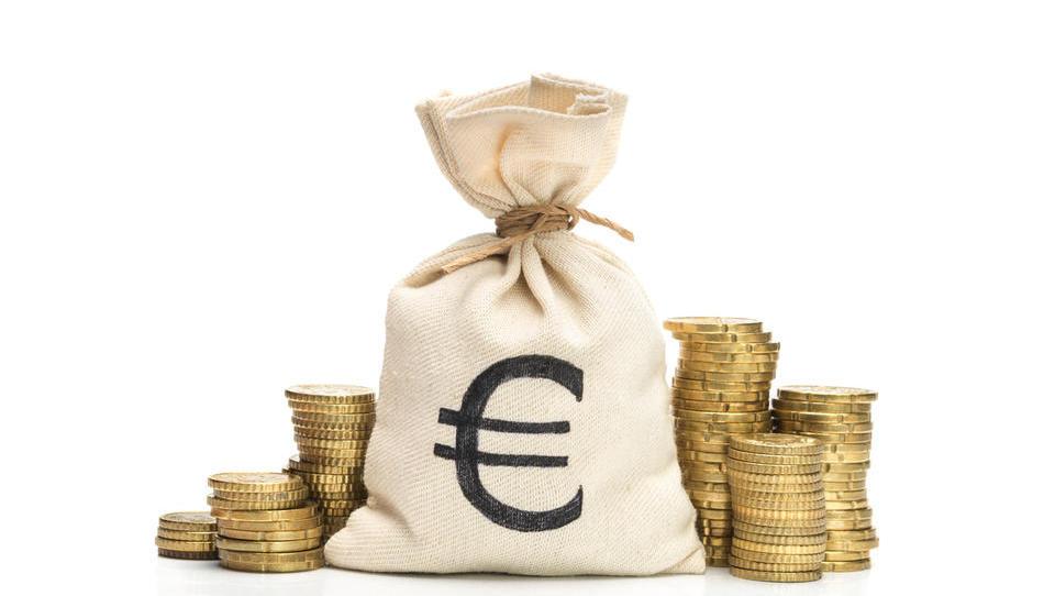 V prvem polletju bodo kmetje na 11 razpisih prišli do denarja za naložbe