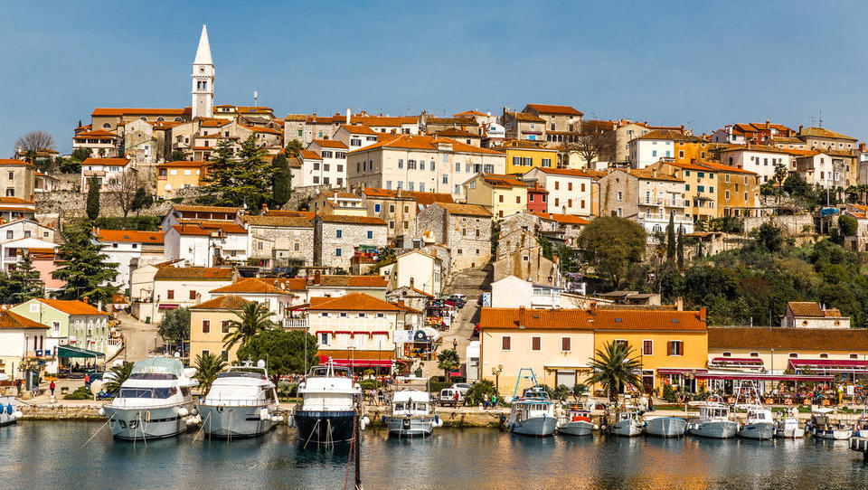 Dražbe od Istre do Dalmacije: 32 apartmajev in hiš, ki jih lahko kupite na hrvaški obali