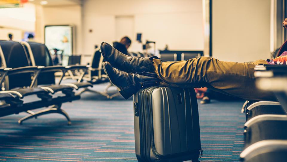 Španija: Stavke letaliških kontrolorjev bi lahko ogrozile več tisoč letov