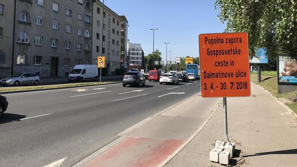 V Ljubljani so se naučili gledati na koledar: končno spremenili znake, Gosposvetska bo zaprta do 30. ali pa 31. julija?!