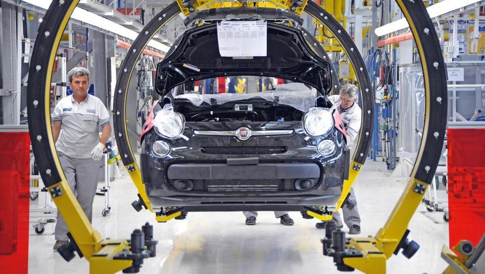 Hitri pregled tedna: Nemcem in Avstrijcem brexit prinaša delovna mesta, Srbi pa rešujejo Fiatovo naložbo