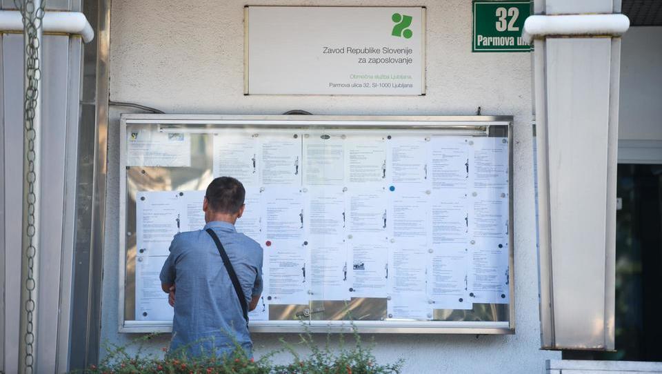 Novembra predvidoma nekoliko manj brezposelnih