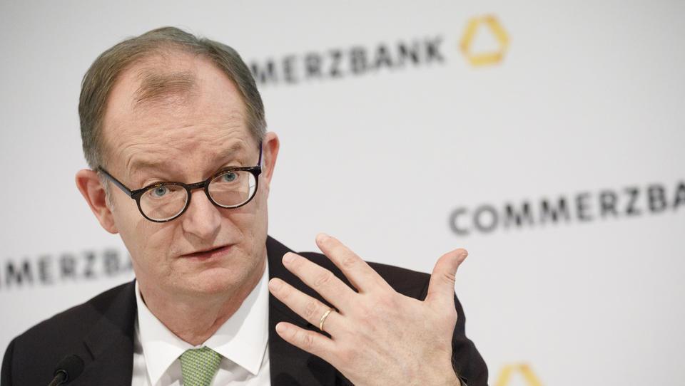 Commerzbank v drugem četrtletju nad pričakovanji